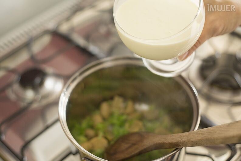 Chuletas de cerdo en salsa de champiñones