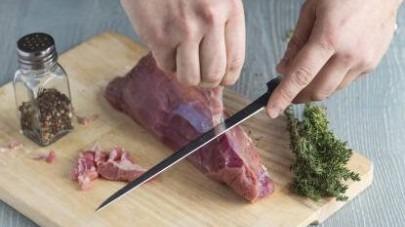 Cómo preparar Solomillo de cerdo a la pimienta - paso 1