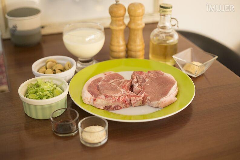 Chuletas de cerdo con salsa de champiñones